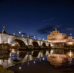 rome-castel-st-angelo-by-night-02.jpg