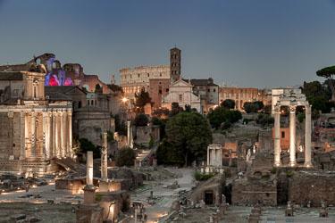 rome-forum-romanum-by-night-01.jpg