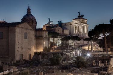 rome-forum-romanum-by-night-03.jpg