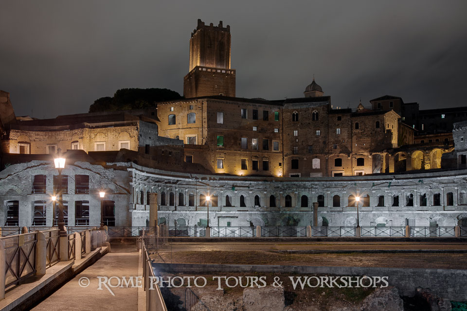 rome-trajans-forum-by-night-01.jpg