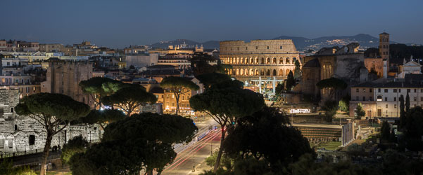 ROME'S MONUMENTS BY NIGHT (5 hrs.)