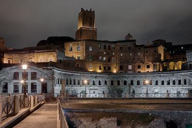 rome-trajans-forum-by-night-01.jpg